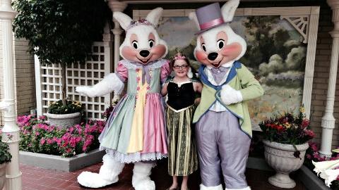 Easter Bunny and Mrs. Bunny at Magic Kingdom 'til April 1