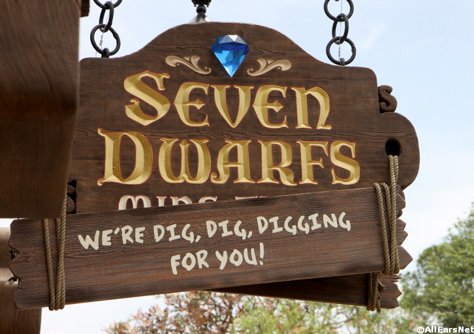 AllEarsNet TV - Show #2 - Seven Dwarfs Mine Train