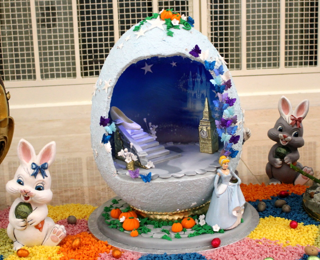 VIDEO: Easter Egg Display at Grand Floridian Resort and Spa through April 10