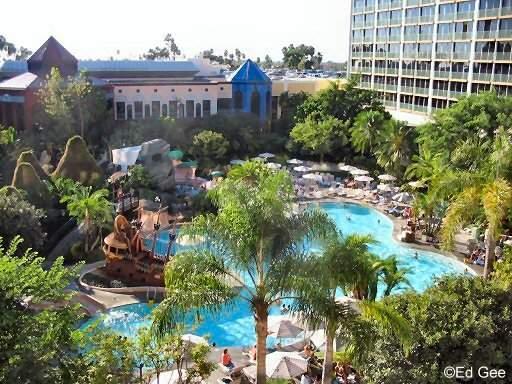 Save 10-20% on Disneyland Resort Hotels