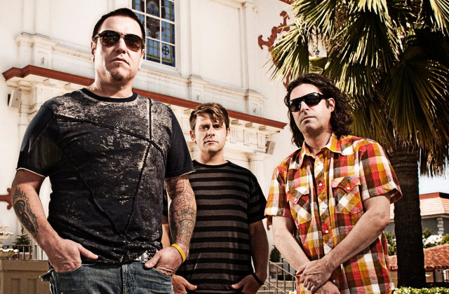Starship and Smash Mouth Perform at Eat to the Beat