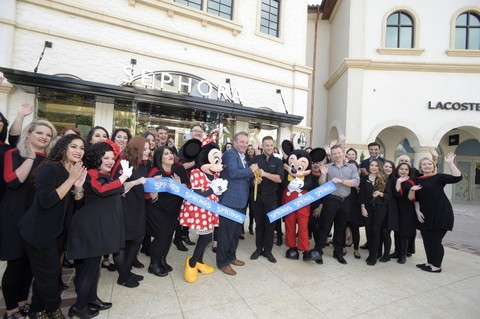 Town Center Welcomes Two More Stores