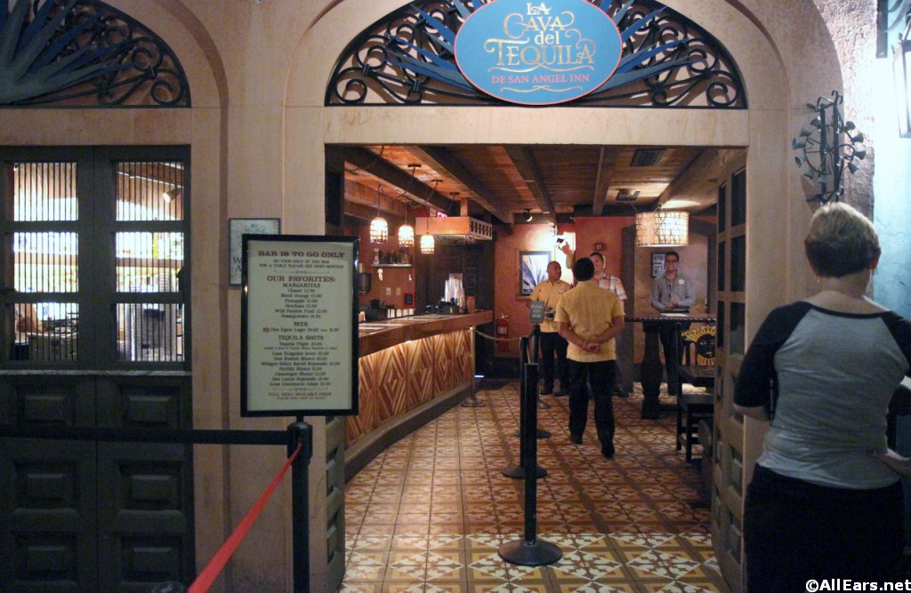 Phone Charging Offered at La Cava del Tequila