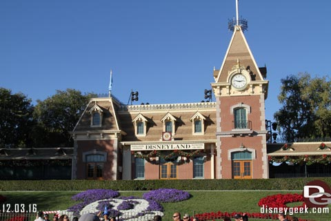 "Disneyland's ""Remember Dreams Come True"" Returns to Weekend Performances"