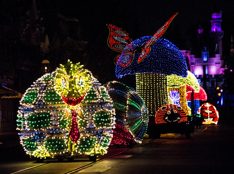 Main Street Electrical Parade will be Streamed Live from Disneyland Tonight