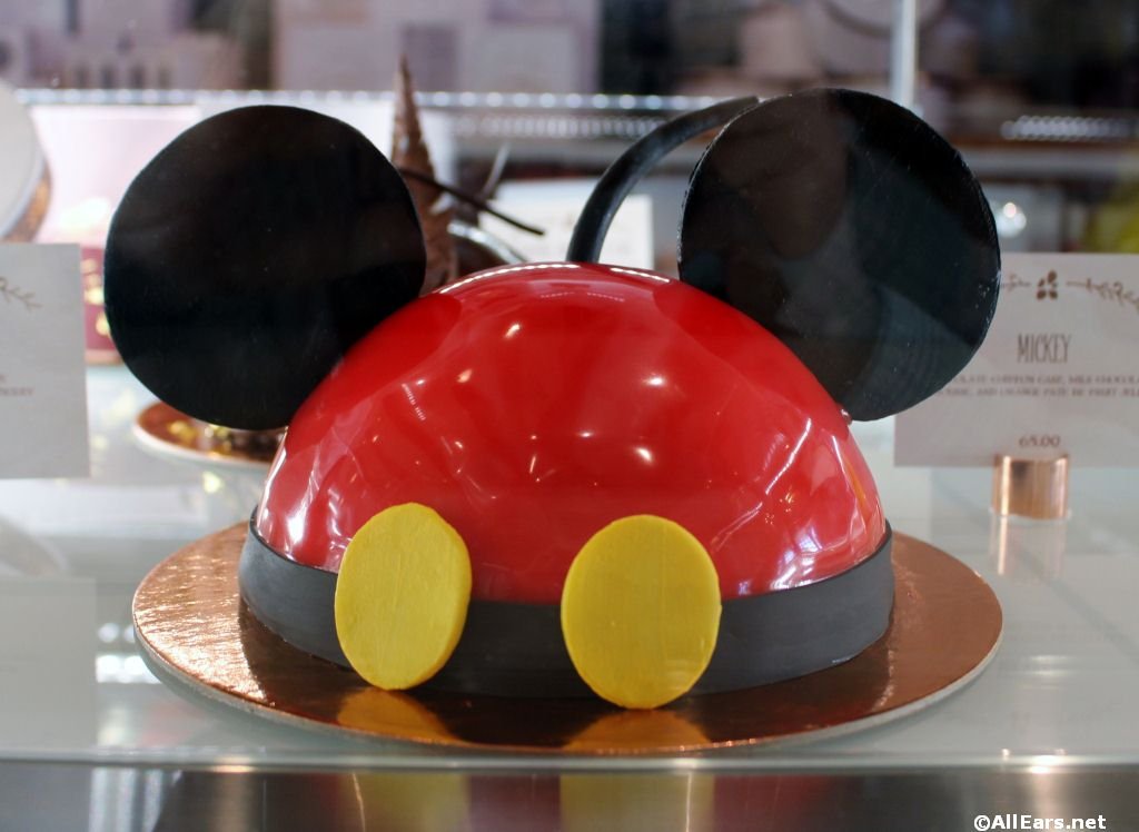 Cake-Decorating Experience Offered at Amorette's Patisserie