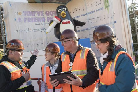 Wheezy Arrives at Toy Story Land