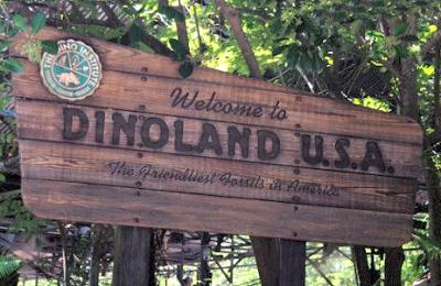 Dinoland sign