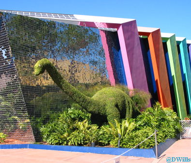 Dinosaur Topiary at Universe of Energy