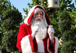Pere Noel Epcot Holiday Storytellers
