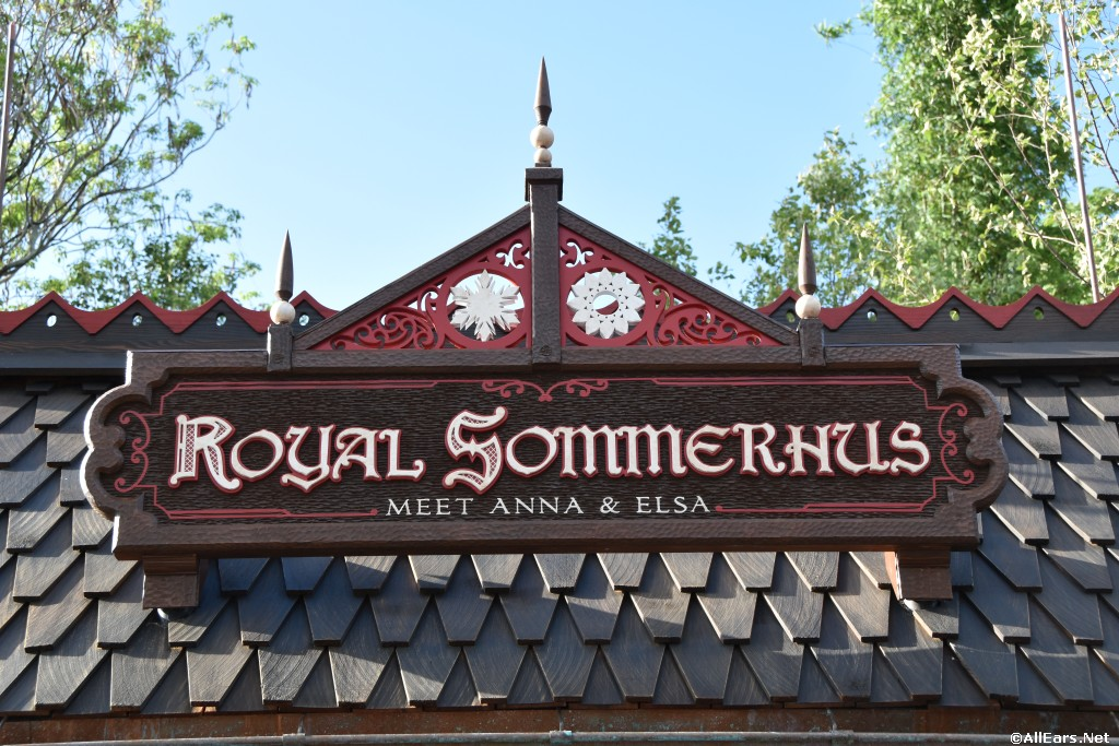 Norway's Royal Sommerhus Anna and Elsa Meet and Greet Photos
