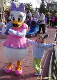 Hangin Out with Daisy - Magic Kingdom