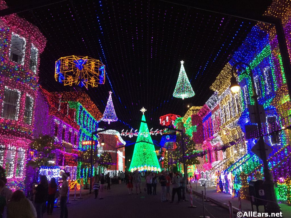 Osborne Christmas Lights 2020 Osborne Lights: The Nighttime Spectacular Disney Fans Are Still