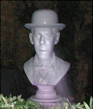 Singing Bust at Haunted Mansion