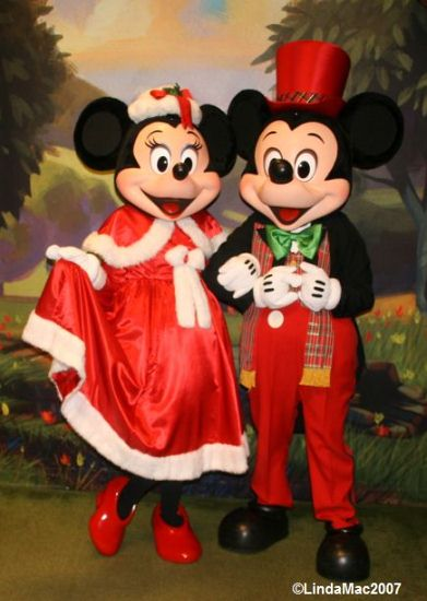 Minnie and Mickey & Mickeyu0027s Very Merry Christmas Party Characters