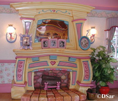 Minnie's Fireplace/Living Room