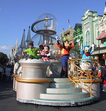 Peter Pan, Minnie, Goofy, Donald
