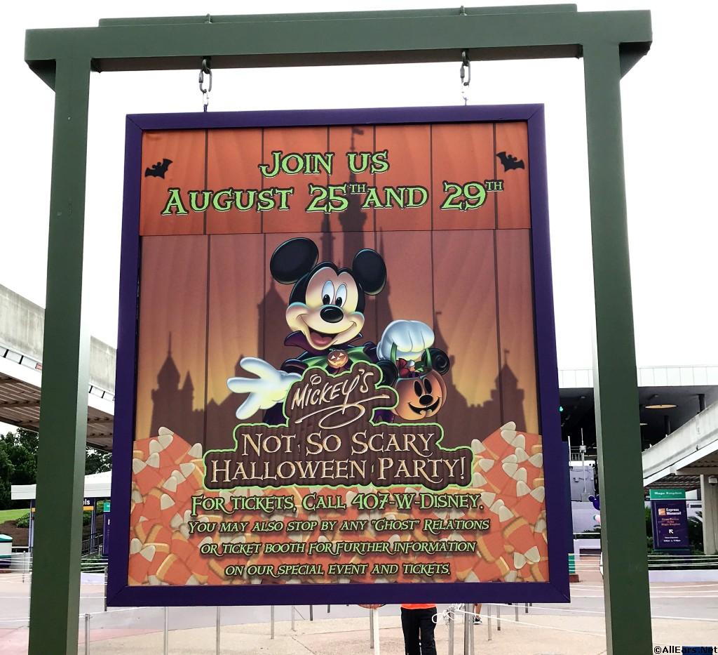 Halloween at Mickey's Not So Scary Halloween Party - Magic Kingdom