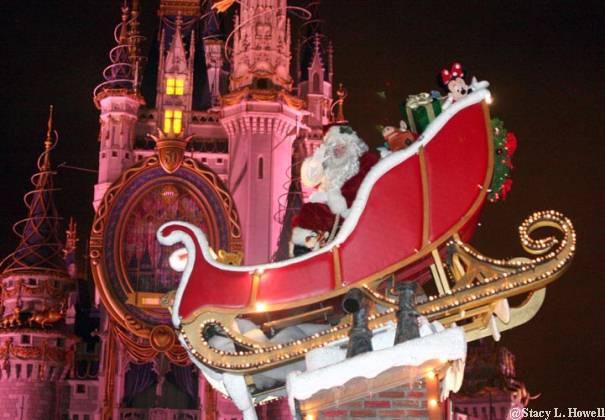 walt disney world castle christmas. Cinderella#39;s Castle during